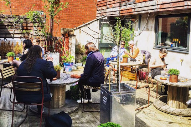 40 places to eat drink alfresco in the manchester for Terrace nq manchester