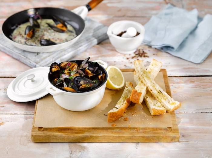 The-Living-Room-Manchester_mussells