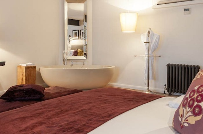 Great-John-Street-Hotel-Manchester-Opus-Grand-suite_bath