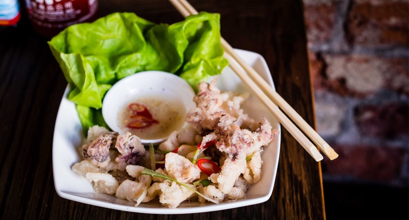 Pho_baby_squid_with_chill_lime_salt_pepper_dip