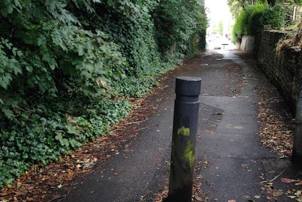 Prestwich Ginnel In The Village