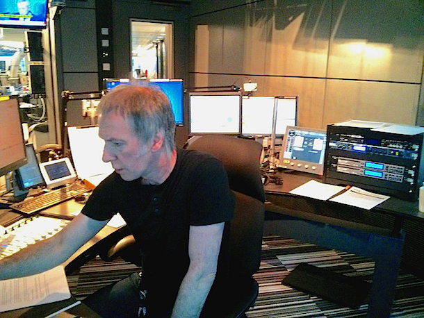 Clint Boon's 80s Experience - 'If I don't like a record, I won't play it' I Love Manchester