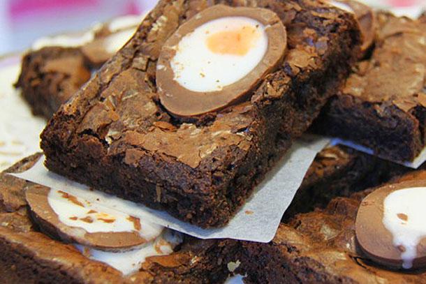 Heylittlecupcake Easter Creme Egg Brownies SQ