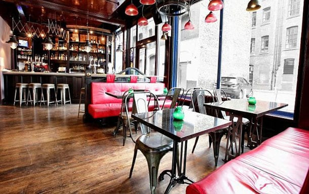 The Blue Pig Reviewed – Piggin' Out In Style I Love Manchester
