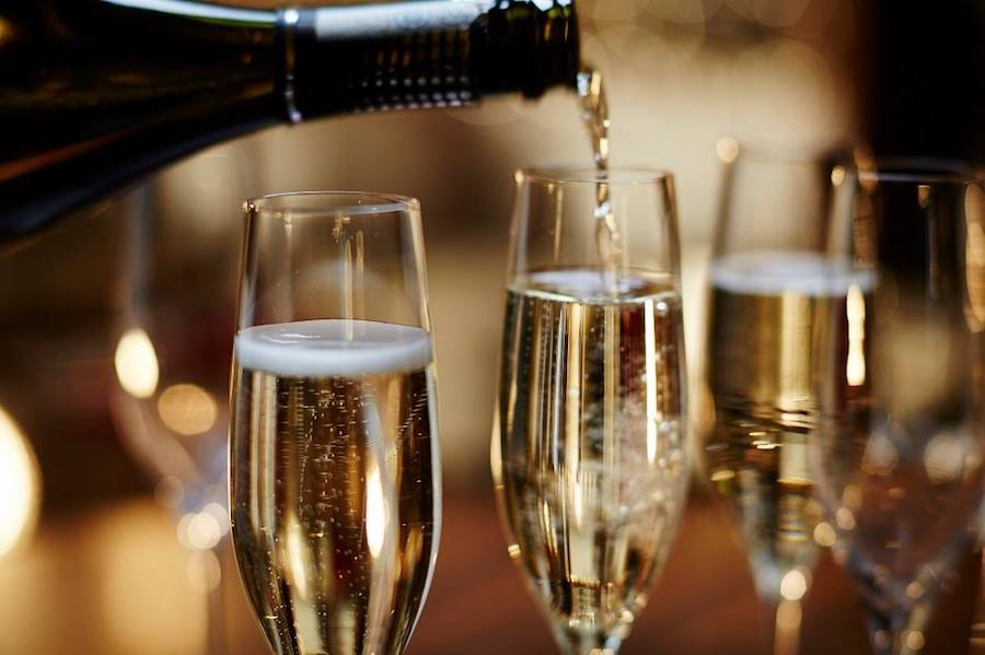 The-Refinery-Spinningfields-Manchester_prosecco