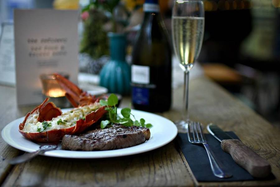 The-Refinery-Spinningfields-Manchester_steak-and-lobster