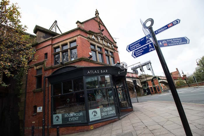 Pop-up pub The Linked Inn arrives in Manchester with career advice on tap I Love Manchester
