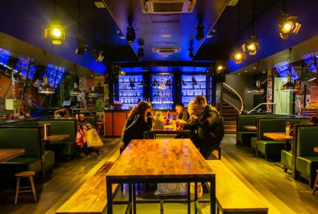 This New York-themed bar is hosting a VIP launch party with FREE pizza and cocktails I Love Manchester
