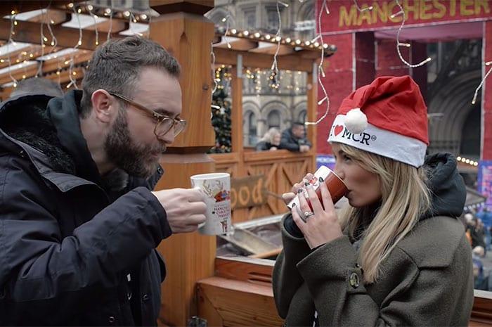 manchester-christmas-markets-mugs-albert-square-drinking