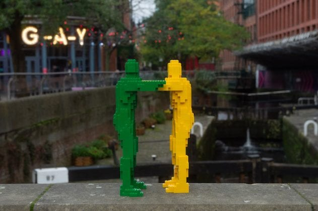 This tiny LEGO sculpture has been spotted giving hugs around Manchester - and it's just too cute I Love Manchester