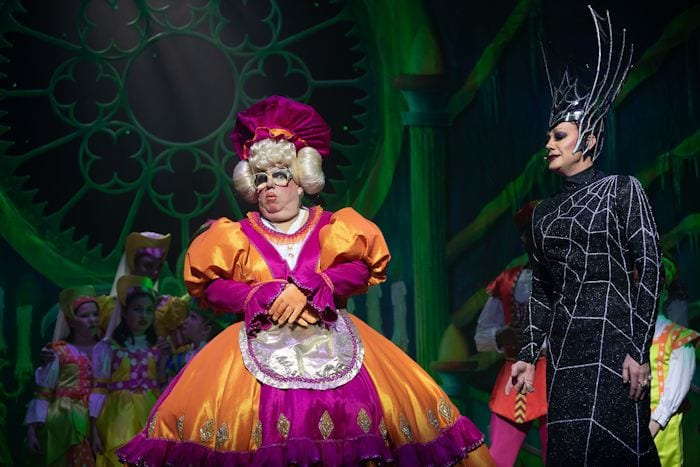 Snow White and the Seven Dwarfs review: the jokes just keep on coming in this hilarious version of the classic panto I Love Manchester