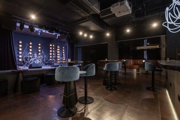 Inside the glitzy cabaret club hidden beneath a Manchester barber shop I Love Manchester